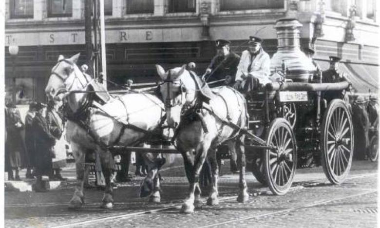horse drawn fire steamer