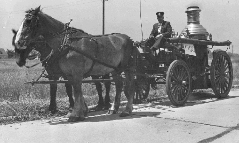 horse-drawn fire engine